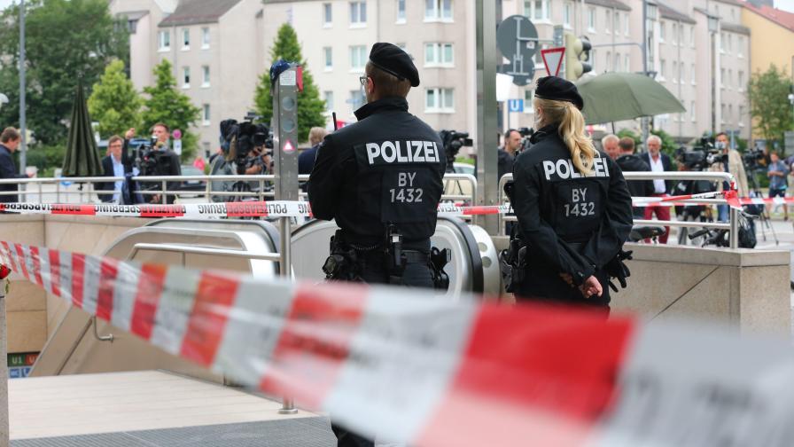 Привърженик на Третия райх стреля и хапа полицаи в Германия