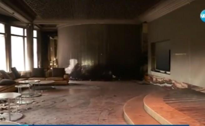 Маскирани запалиха резиденцията на Баневи в