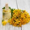 Жълтият кантарион: лекарство за тялото и душата