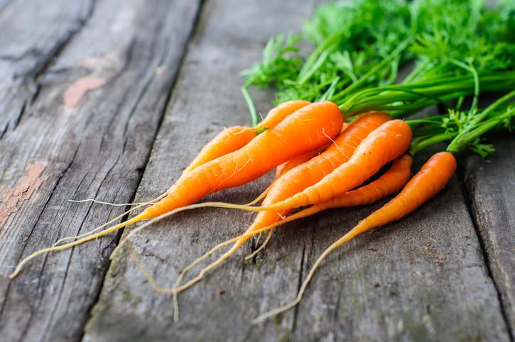 - Морковите гарантират намаляване на риска от ракови новообразувания до 30%. Само трябва да са редовно на масата ви и да хапвате по два-три пъти на ден;
