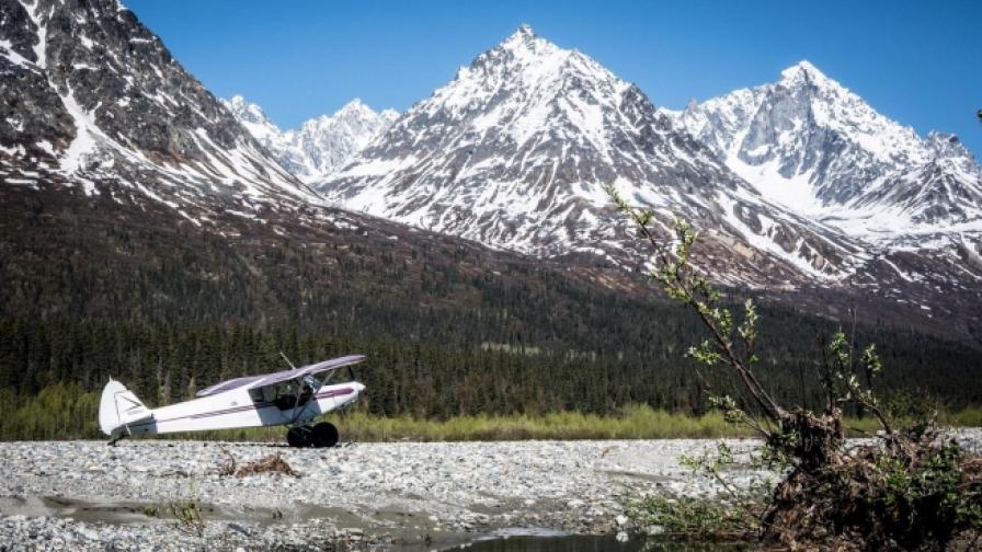 Да прелетиш над Аляска с близо 60-годишен самолет