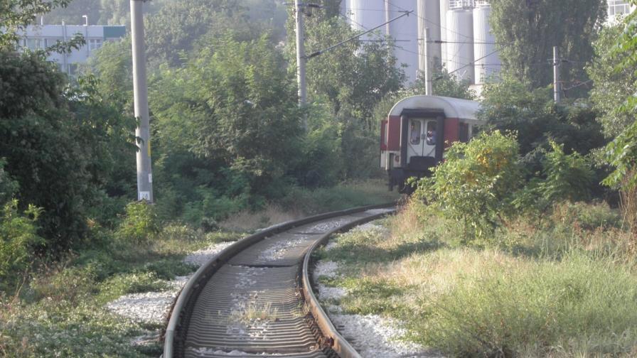 Мъж оцеля след сблъсък с влак