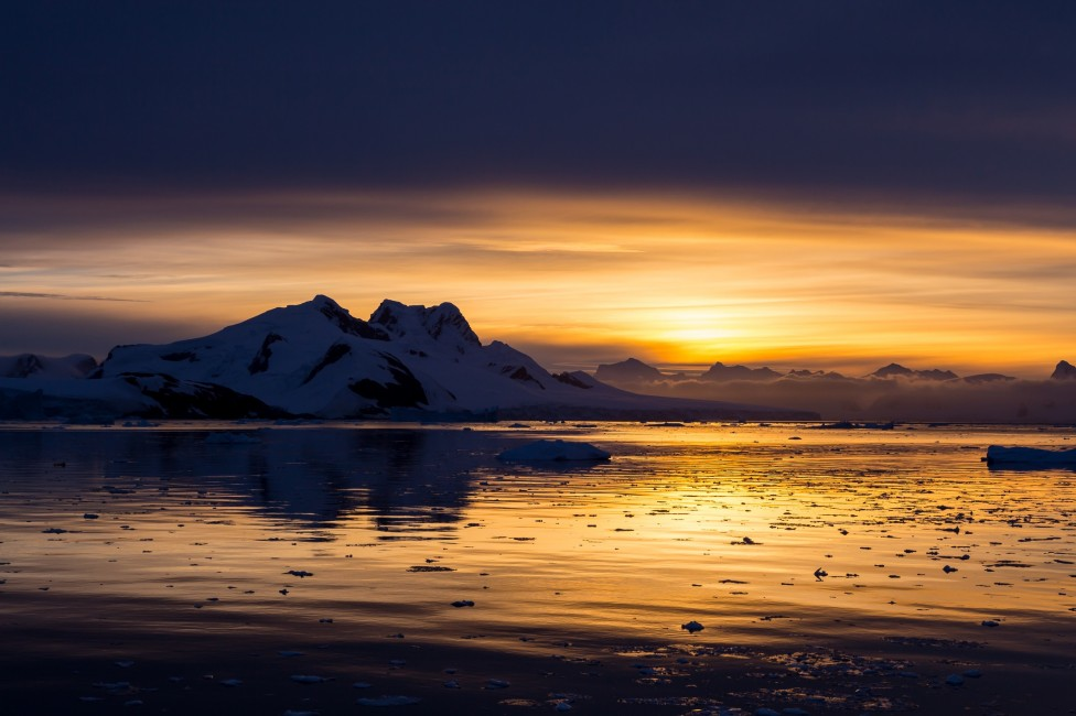 - Невероятни картини от ледения континент Антарктида