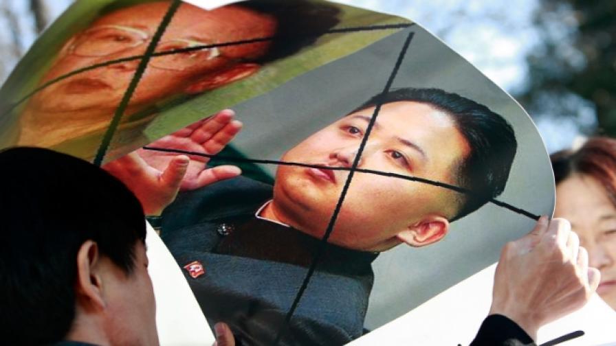 Крият семейството на убития Ким Чен-нам, синът му се показа