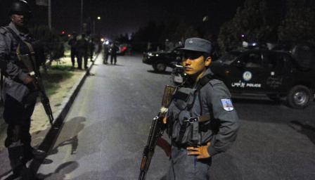Загинали и ранени при атака в хотел в Кабул