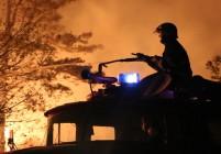 Къща изгоря в карнобатско село, пострада пожарникар