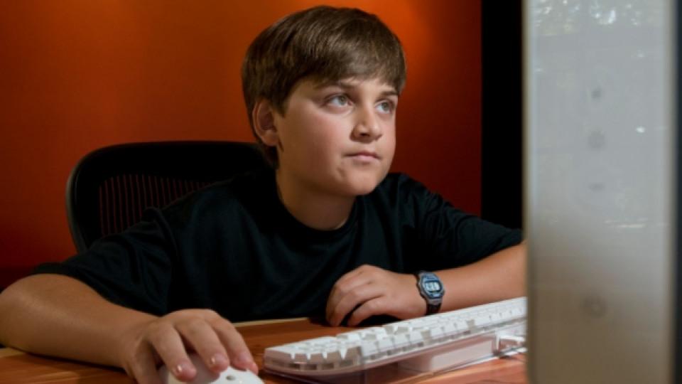 Ако детето общува с непознати в интернет