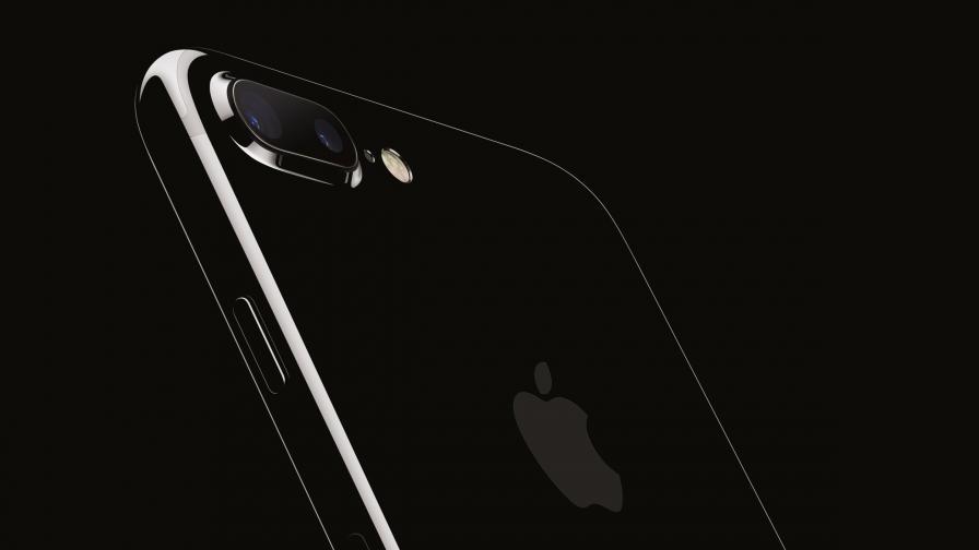 Apple тества над 10 прототипа за iPhone 8