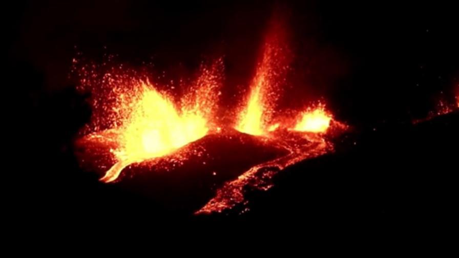 Вулкан изригна край столицата в Гватемала, има много лава