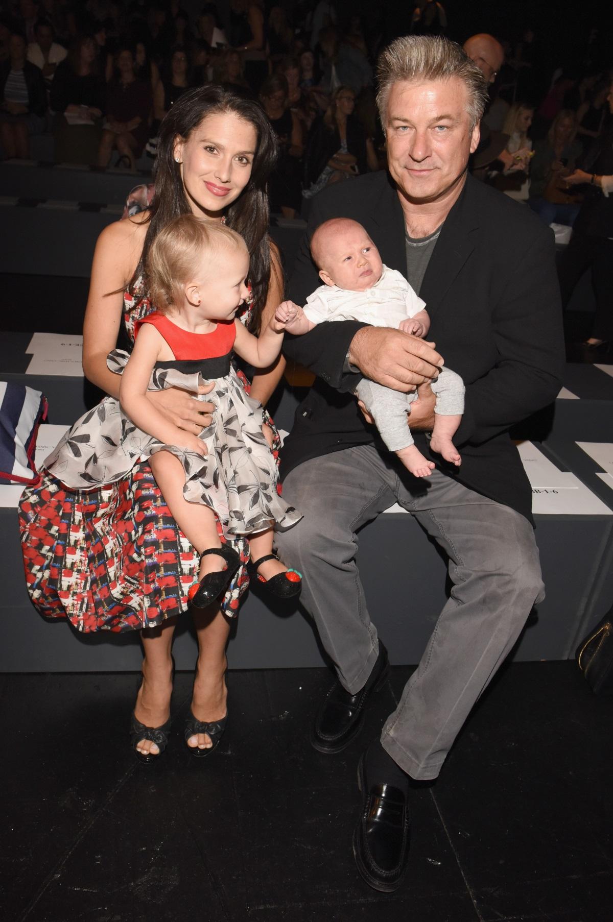 Актьорът стана баща за пети път. Той има четири деца от настоящата си съпруга Хилария и една дъщеря от бившата си партньорка - актрисата и модел Ким Бейсингър.