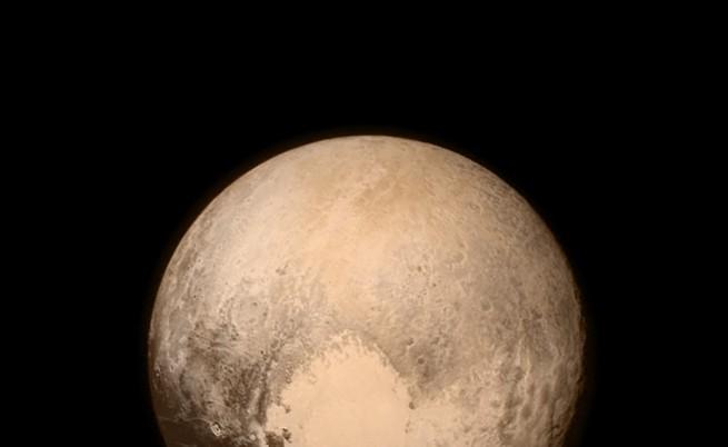 Плутон може да се окаже гигантска комета