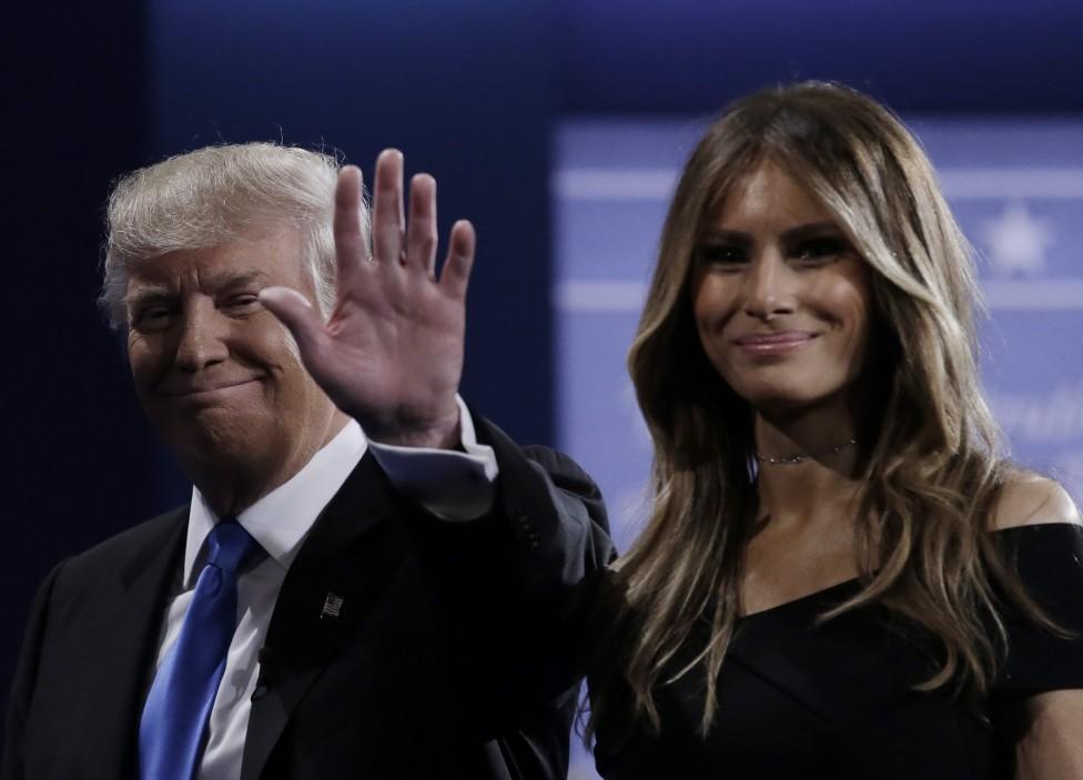 - С учтиво ръкостискане започна първият телевизионен дебат по Си Ен Ен между двамата непримирими съперници за поста президент на САЩ. В крайна сметка...