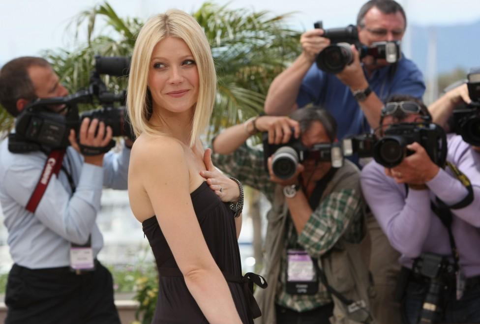 - Днес красивата актриса празнува своя 43-ти рожден ден. Предлагаме ви да научите няколко любопитни факта за нея.