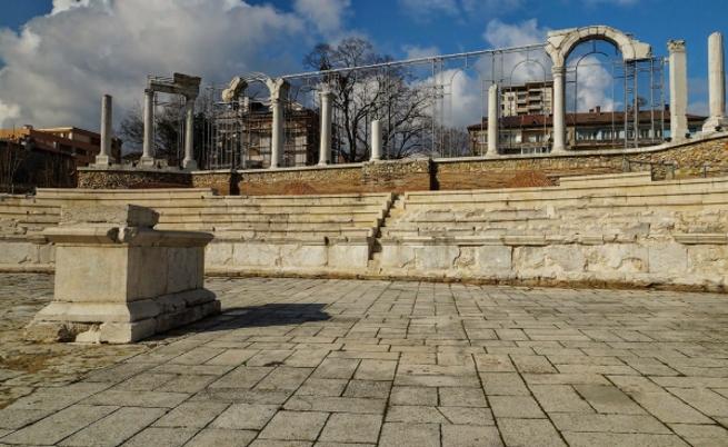 Античен форум Августа Траяна