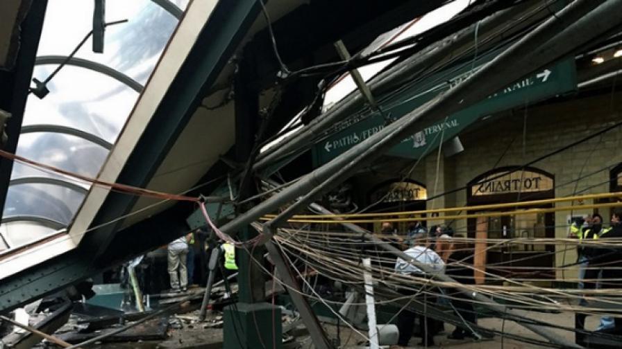 Влак се вряза в перон близо до Ню Йорк