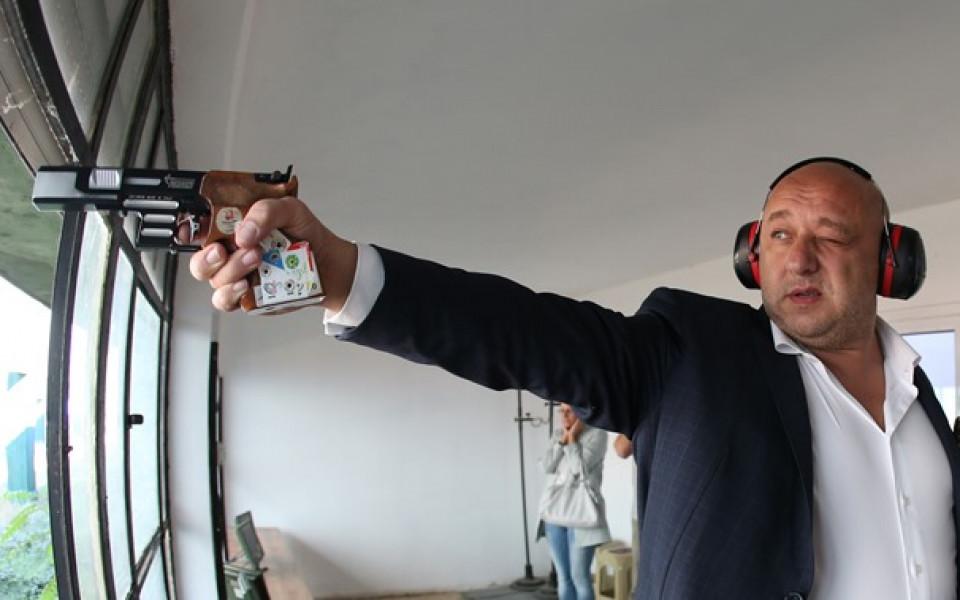 Министър Кралев разпореди проверка в бургаското спортно училище