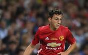 Валенсия в напреднали преговори с Манчестър Юнайтед за защитник