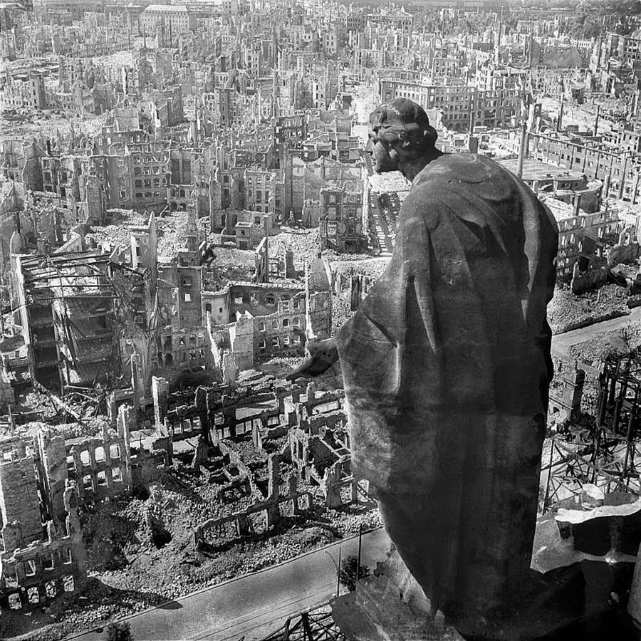 Руините на Дрезден, 1945 г.