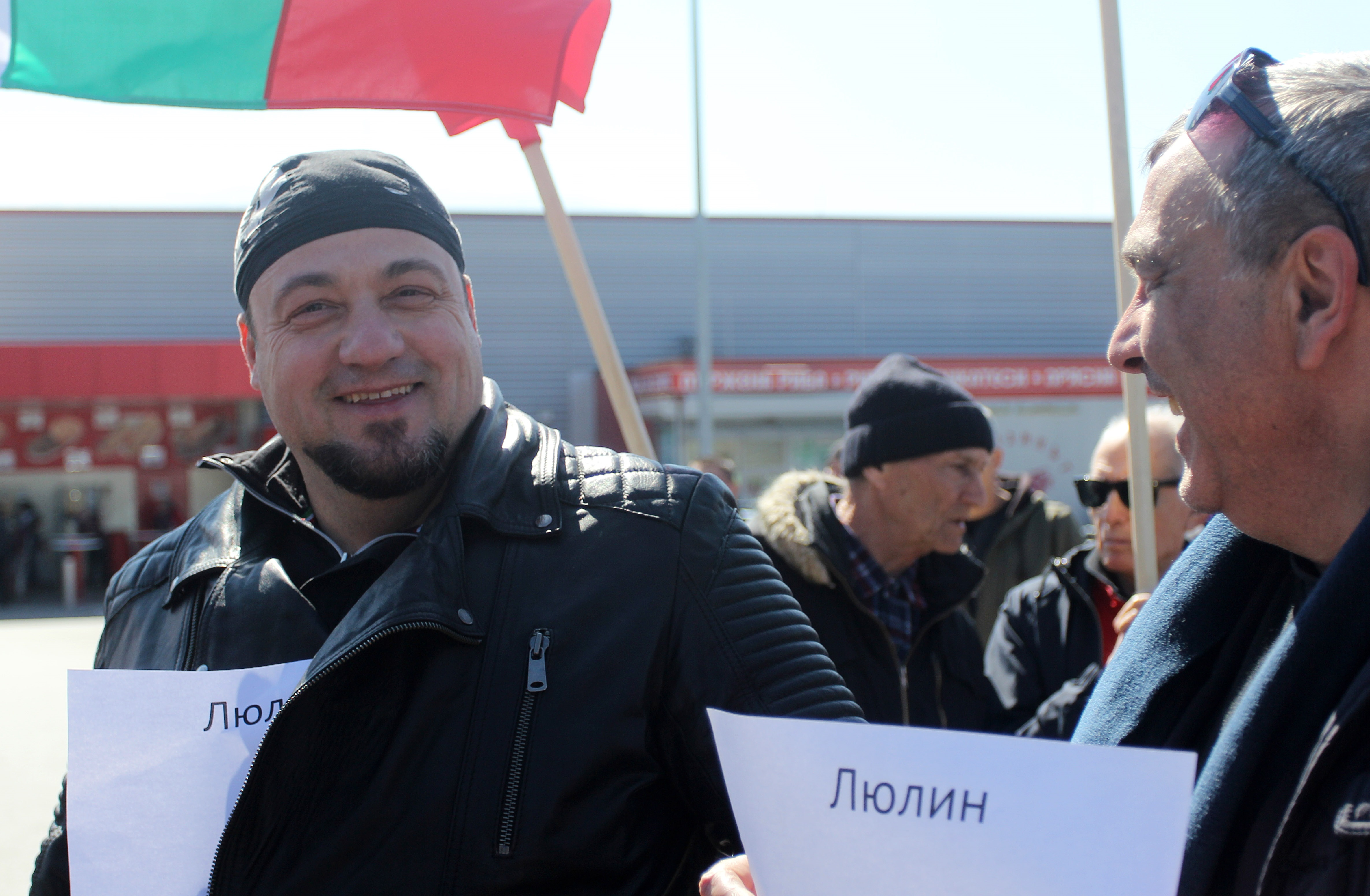 Камен Попов удари Волен Сидеров в нощта на местните избори и сега е номер 16 в бюлетината