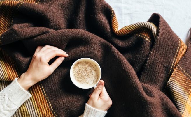 Водолей: пухкаво одеяло за мързелив неделен следобед в леглото.
