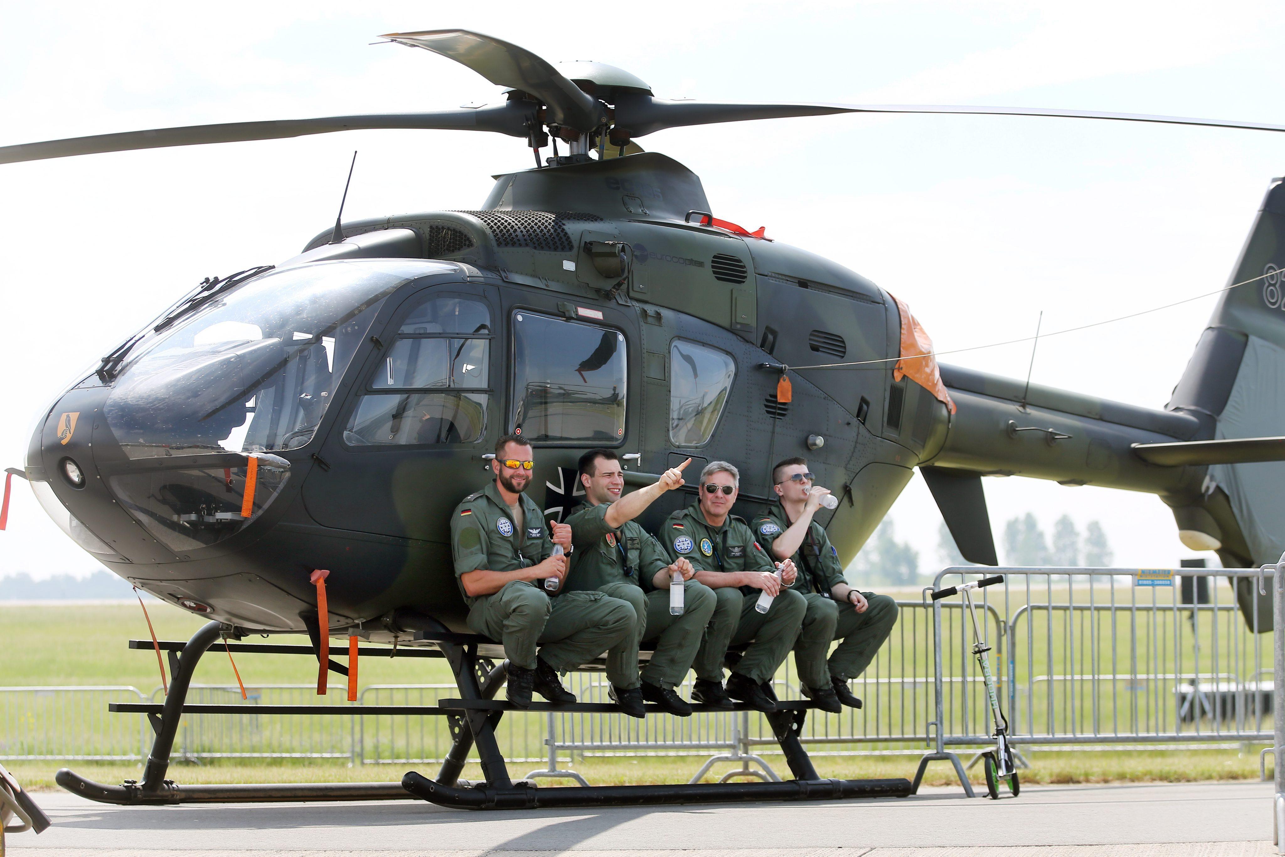 Германски военен транспортен хеликоптер EC 135 Eurocopter