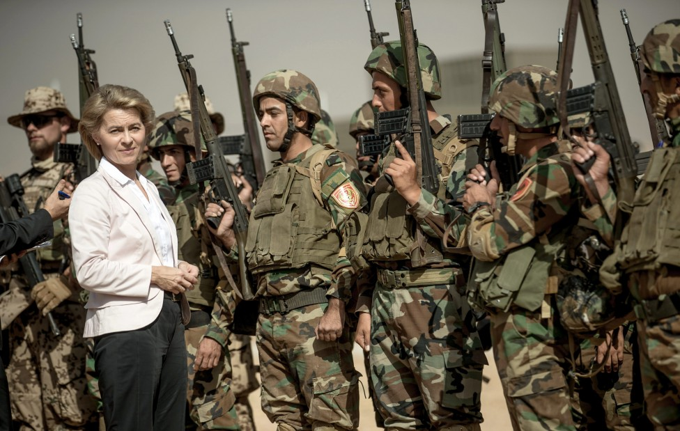 - Министърът на отбраната на Германия Урсула фон дер Лайен заяви, че министерството на финансите се е съгласило до 2020 г. да увеличи военните разходи...