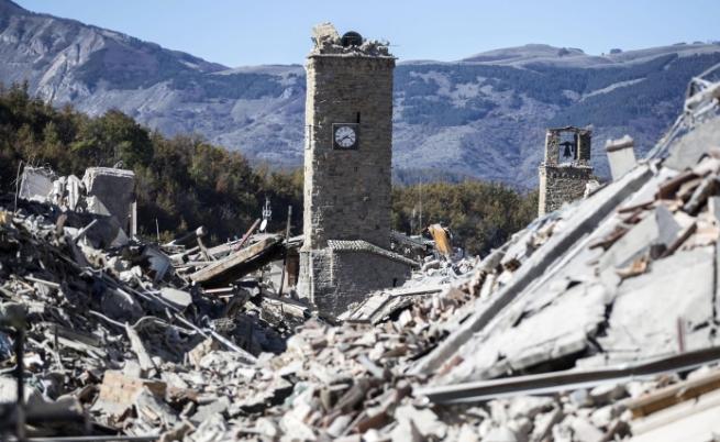 Две емблематични сгради станаха жертва на труса в Италия