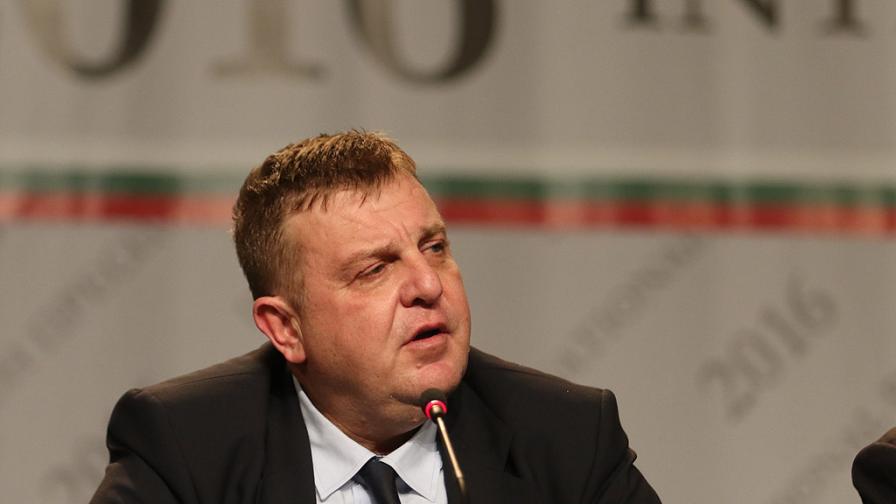 Каракачанов: България ще охранява с армия границата си с Турция