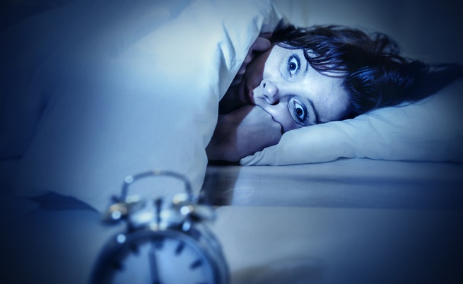 Безсъние – загуба на собственото аз<br /> <br /> Когато преживявате събития, които променят живота ви, независимо дали са хубави или неприятни, тогава обикновено губите съня си. Разтревожени сте, когато събитията в живота ви са като буен планински поток. То може да се случи както при силен стрес, така и при голямо личностно израстване. Според експерта безсънието най-често е свързано със страха от неизвестното. За облекчение – запишете страховете си или още по-добре поговорете за тях с приятел. Научете се да живеете с промяната, вместо да се страхувате от нея.