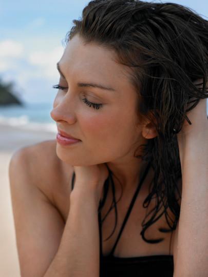 <p><strong>6. Естествената красота.</strong> Факт е, че мъжете предпочитат естествената красота пред тоновете грим. Използвайте спиралата и лекия, ненатрапващ се фон дьо тен, за да подчертаете чертите си, без да прекалявате.</p>