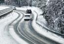 Снегът става бедствие, затвориха границата с Македония