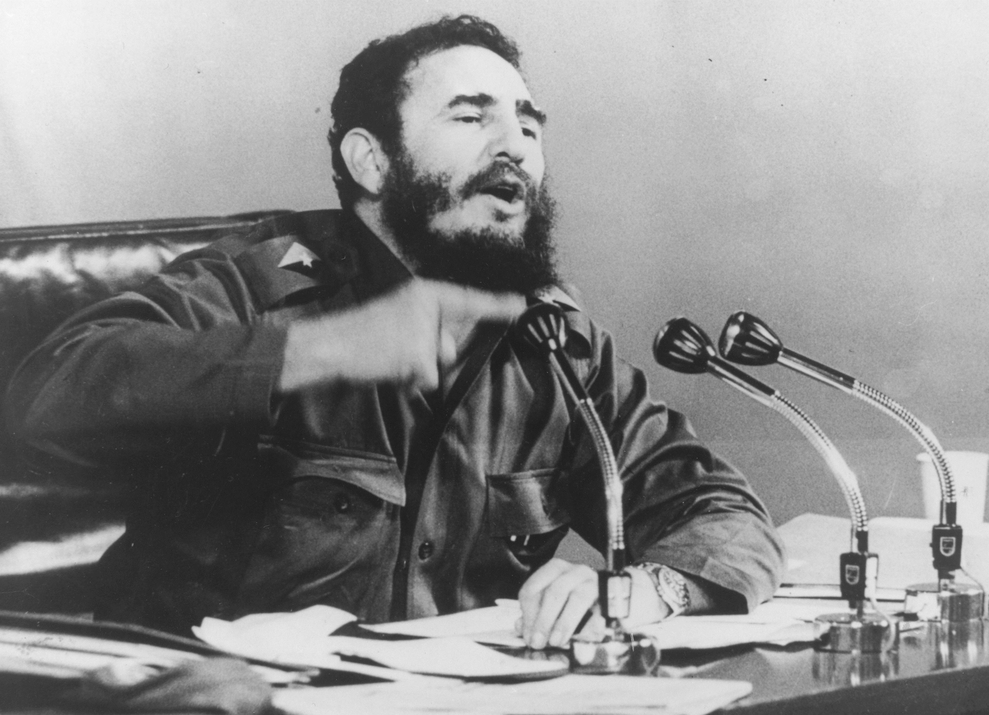 1971 г. - Фидел Кастро по време на пресконференция.