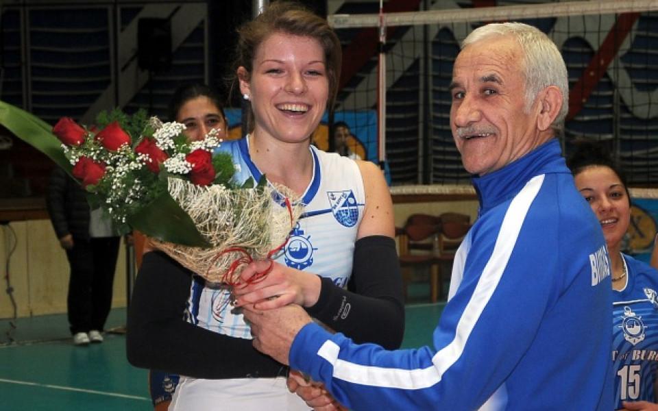 Треньорът на Бургас 2007: Аз не мисля за отказване, но на момичетата им идва наум
