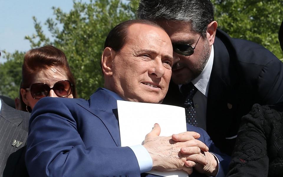 Оперираха успешно Силвио Берлускони