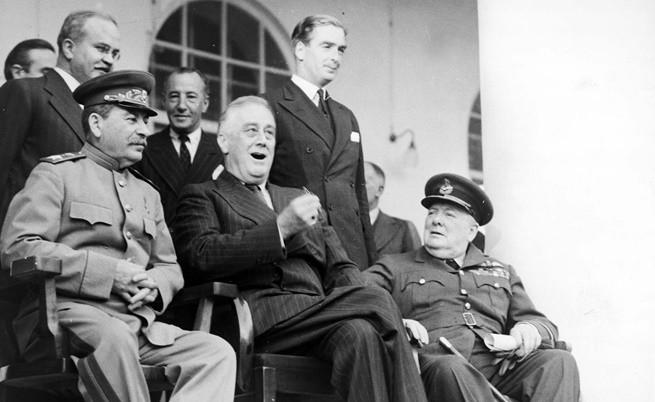 Резултат с изображение за В Казабланка се провежда среща между Уинстън Чърчил и Франклин Рузвелт