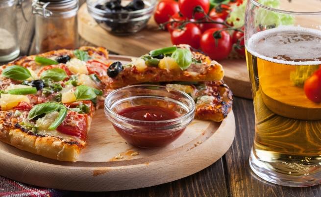 За почитателите на тъмното пиво и топлата пица