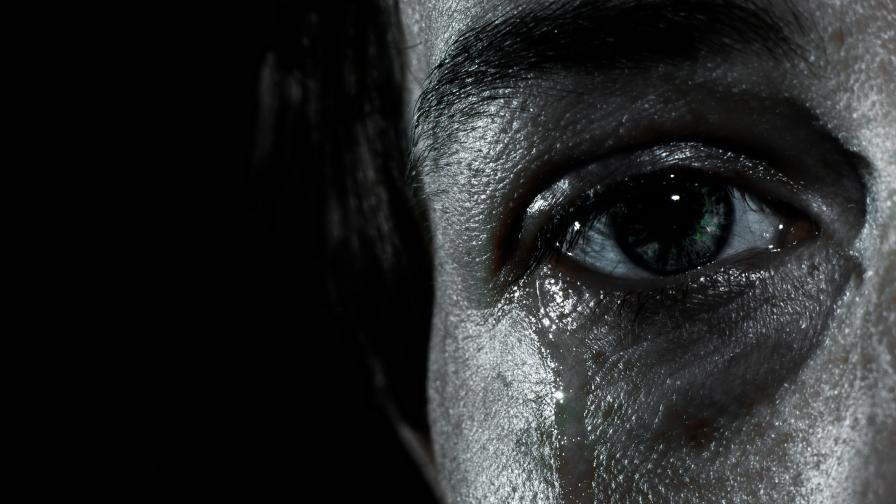 18 много тъжни истории, разказани само с 6 думи