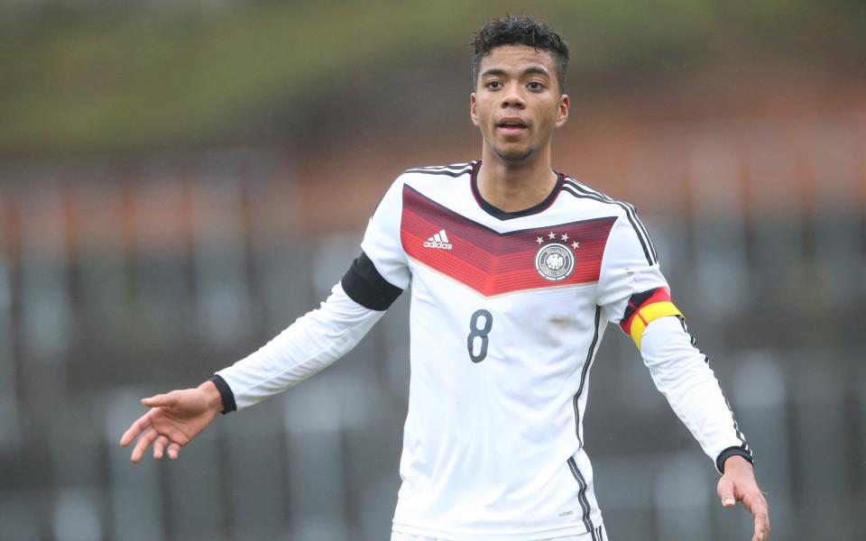 Бронзовият медалист в германското футболно първенство РБ Лайпциг привлече десния