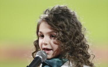 Лудогорец честити рождения ден на певицата Крисия