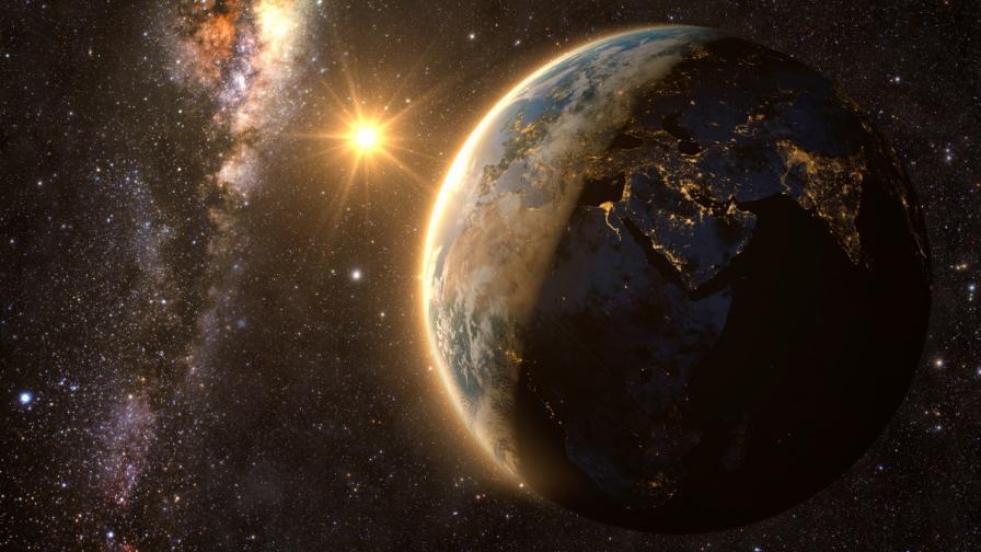 """За първи път: Астрономи наблюдаваха """"раждането"""" на екзопланета"""