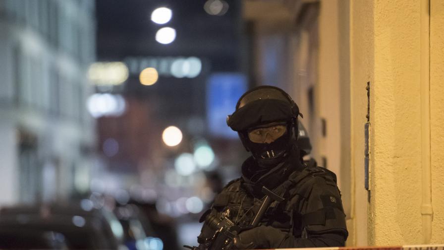 Трима души бяха ранени при стрелба в Цюрих