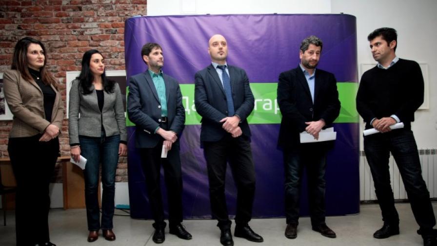 Кой влиза в новата партия на Христо Иванов