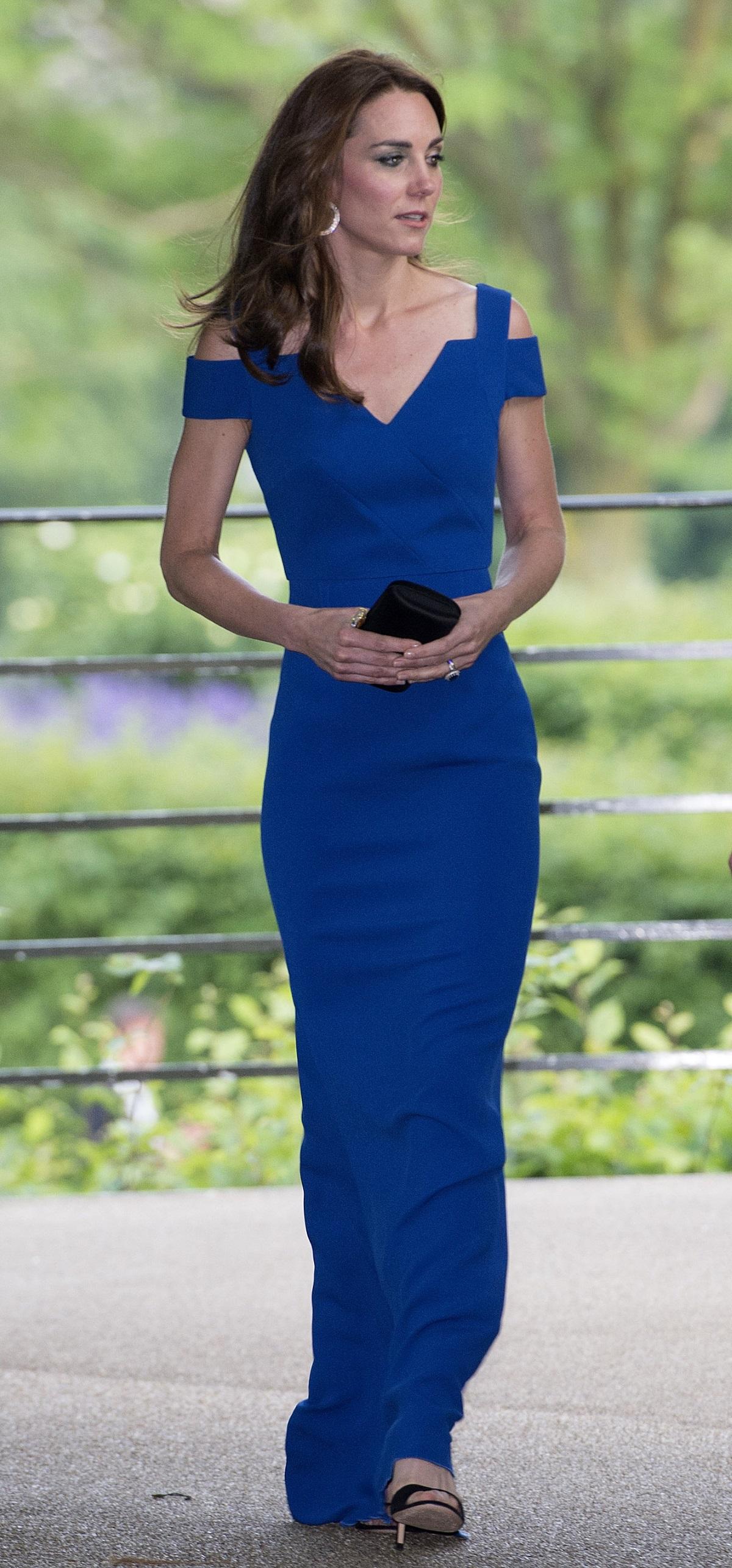 Кейт Мидълтън в синя рокля през юни в Лондон