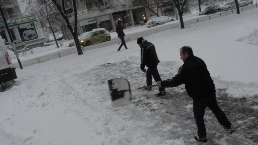 Непочистени улици пратиха над 100 души в Пирогов