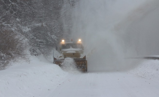 Сняг, студ и леден вятър: не пътувайте