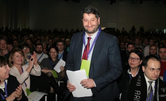 Христо Иванов учреди партията си