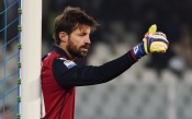 Милан поднови договора на 40-годишен вратар