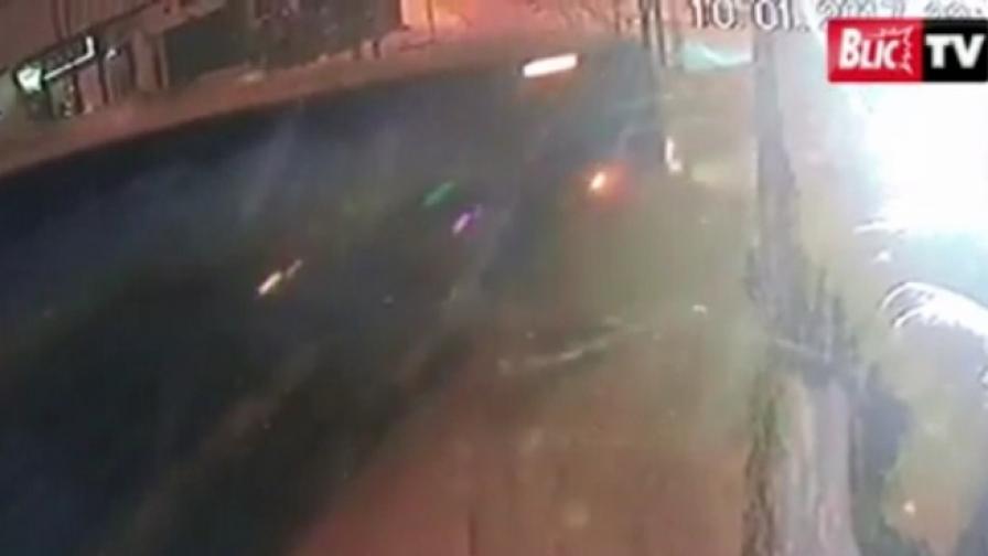 Автобус се заби в къщата на Цеца Величкович, двама ранени
