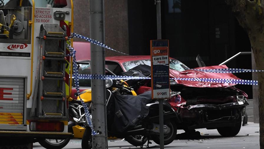 Шофьор гази наред в Мелбърн, трима убити, над 20 ранени
