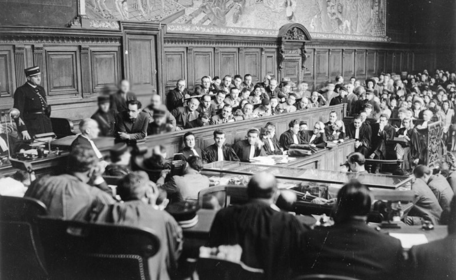 През 1946 г., делото на д-р Марсел Петио: осъден за 24 убийства и екзекутиран с гилотина в Париж